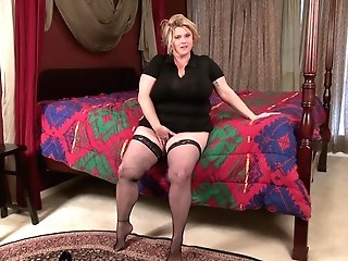 Blonde Bbw Kimmie Kaboom Lets Everything Out And Overflowing