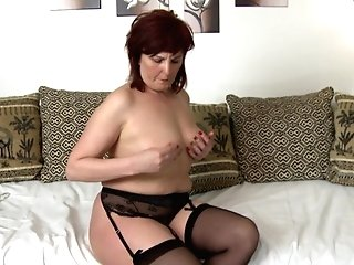 Red-haired Matures Slag Slams A Fuck Stick In Her Dribbling Raw Twat