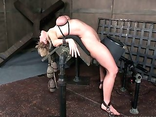 Addicted To Romp Cougar Dee Williams Gets Her Milk Cans Roped And Penalized