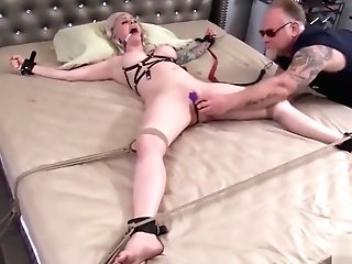 Hard Sadism & Masochism Games With Very Beautiful Cougar