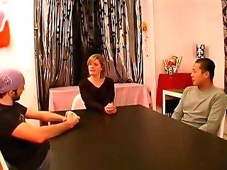Ségolène Est Parisienne, C'est Une Blonde Medecin De 40 Ans Qui Baise Comme Une Reine