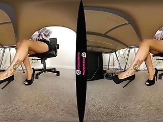 Lu Elissa In No Playthings In The Office - Wankitnowvr