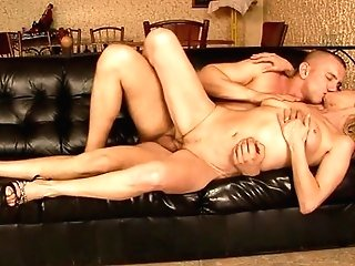 Matures Makes Her Dirty Cravings A Reality With Dude's Ram Cane In Her Mouth