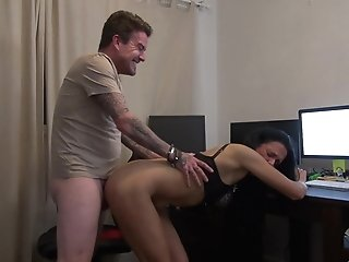 Smoking Hot Jess Scotland Ultimately Gets To Gasp On A Fat Dick