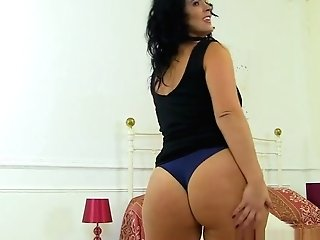 Curvy Cougar Montse Swapper Fucks Herself With A Large Fuck Stick