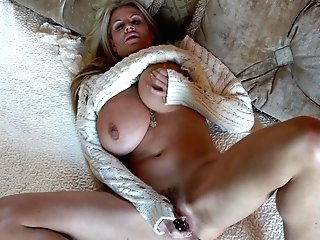 Kelly Madison Has A Blast While Plowing Her Taut Fuck Hole