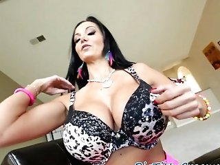 Classy Beauty Loves Providing A Titfuck