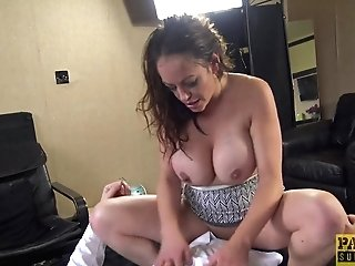 Magnificent Stud Gets His Dick Sated By Smoking Hot Vicki Powell