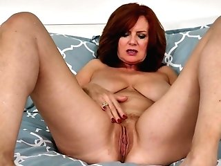 Jaw Pulling Down Cougar Andi James Is Finger Fucking Her Old Whorish Labia