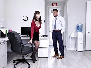 Lexi Luna Likes When Her Friend Spunk On Her Tits After A Bj