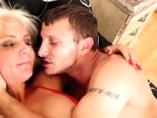 Mr Pete Whips Out His Dick To Fuck Breathtakingly Sexy Presley Hart's Mouth