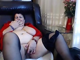 Matures Dark-haired Makes Her Poon Humid