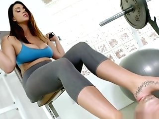 Buxom Feet Fetish Stunner Tittyfucking At A Gym