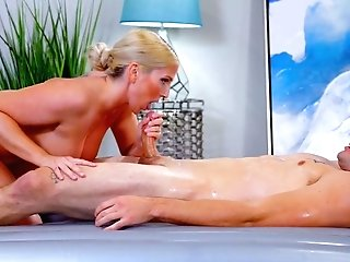 Jaw Ripping Off Mummy Christie Stevens Gives A Nuru Rubdown And Gets Laid