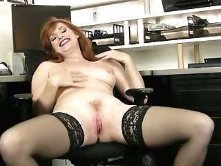 Crimson Haired Bookkeeper Amber Dawn Is Playing With Closeup Cooter