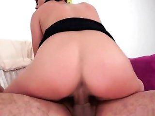 Kink Bitch Gives Deep Throat
