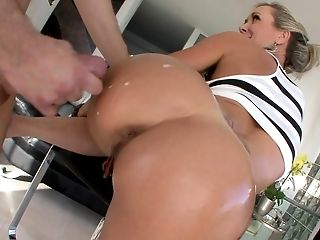 Big Ass Milf Brandi Love Gets Fucked From Behind