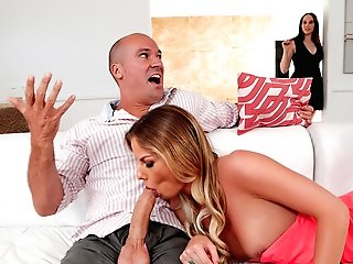 Sami Stclair & Sean Lawless In Setting A Sluttier Example - Sneakysex
