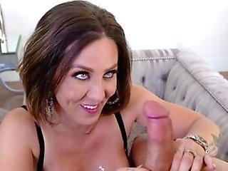 Hot Mummy Gets The Dick Tighter Than She Imagined