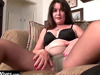 Usawives - Sexy Lory Pushing Faux-cock Deep In Her Hairy Twat