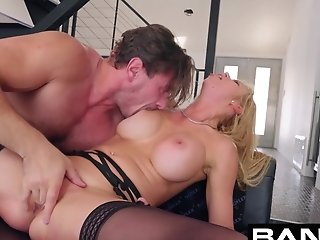 Bang Gonzo Alexis Fawx Squirting Mummy Fucked
