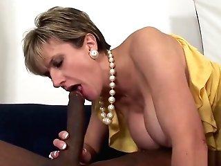 Unfaithful English Mummy Lady Sonia Showcases Her Big Hooters