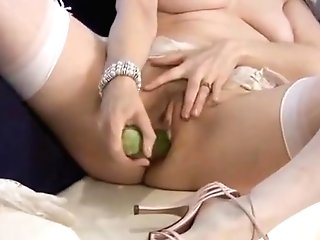 The Very Sexy Serena And Her Cucumber !