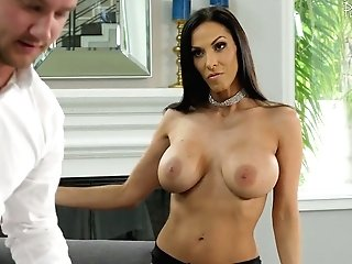 Mouth Watering Seductress Veronica Rayne Is Making Love With Her Massagist