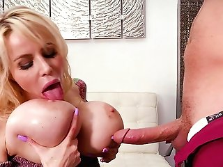 Big-boobed Mom Gets The Sonny's Dick To Have Fun With