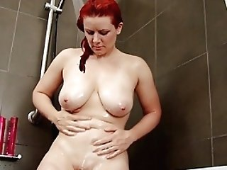 Busty Amateur MILF Masturbates In The Shower