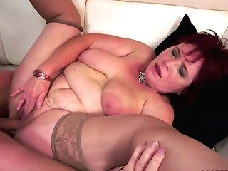 Chunky Matures Woman Renata Gets Fucked By A Skinny Dude
