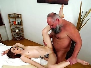 Matures Can't Live A Day Sans Taking Pulsating Meat Stick In Her Mouth
