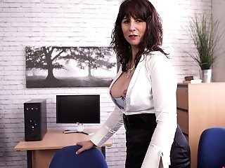 Middle Elderly Assistant Toni Lace  Masturbates Her Slit In The Office