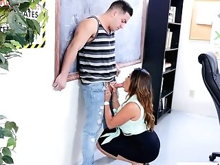 Mummy With Jaw Ripping Off Booty Julianna Vega Fucks Fresh Sumptuous Employee